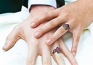 Tatouage Sur Doigt : tatouage doigt mariage alliance les tatouages ~ Melissatoandfro.com Idées de Décoration