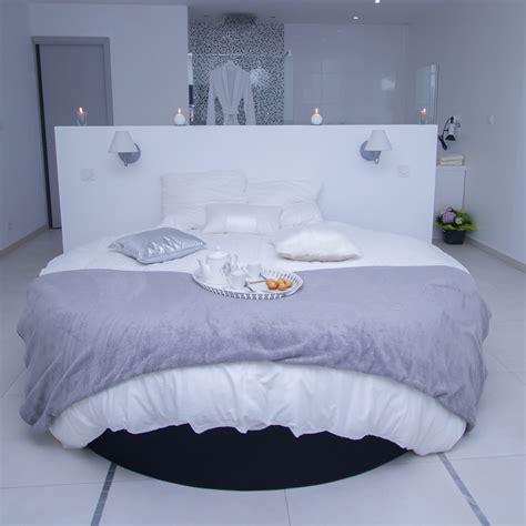 chambre pour amoureux chambre bordeau budget room with couleur peinture