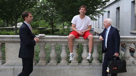 Sen. Ben Sasse chills on Capitol Hill in workout attire