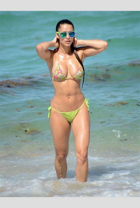 International Celebrities: Anais Zanotti in Bikini in Miami