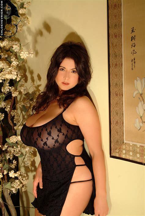 Chloe Vevrier - Free pics, videos & biography