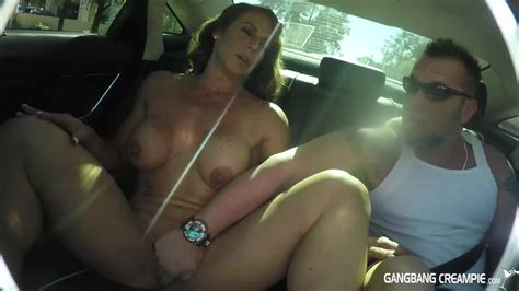 Fitness Milf Gives Road Head In Back Seat Free Porn Sex