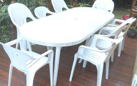 10 Trucs Pour Nettoyer Les Chaises De Jardin Blanches