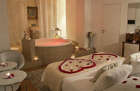 chambre jaccuzzi chambre romantique avec 2 chambre d hotel