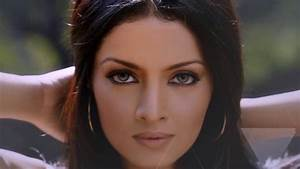 Top 10 Most Beautiful Eyes In The World - YouTube