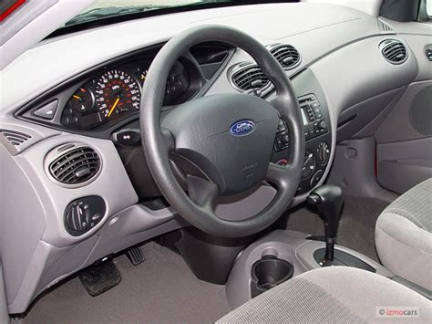 image  ford focus  door wagon se dashboard size