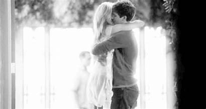 Hugging Hug Couple Kiss Cuddle Gifs Bed