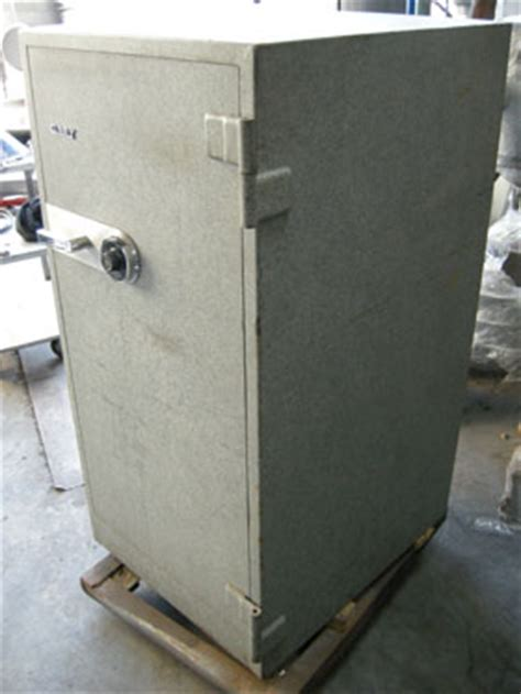 gary fire proof floor mounted safe used condition used
