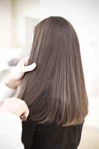 Lange Glatte Haare : frisur mit glatten haaren haare styling locken ~ Frokenaadalensverden.com Haus und Dekorationen