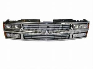 94 95 96 Chevy C  K Pickup 1500 Grille Headlight Signal
