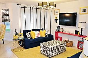 Sensational-Yellow-Accent-Chair-decorating-ideas-for