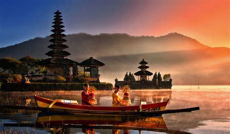 tempat wisata terkenal  indonesia osiaeirinigr