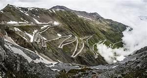 10 Deadliest but Most Adventurous Roads in the WORLD ...
