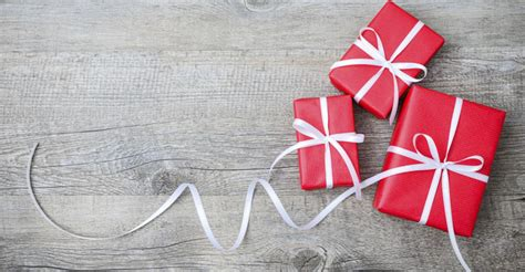 35+ Stores With Free & Paid Gift Wrapping Services