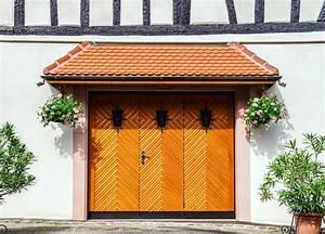 Garagentor Aus Holz : garagentor streichen anleitung mit vielen tipps ~ Watch28wear.com Haus und Dekorationen
