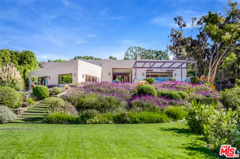 houseplans and more chris hemsworth and elsa pataky but house in malibu