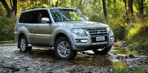 2015 mitsubishi pajero pricing and specifications