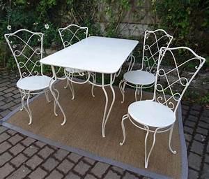 Table De Jardin En Fer : table de jardin en fer forg carrefour ~ Teatrodelosmanantiales.com Idées de Décoration