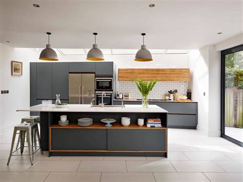 kitchens with grey cabinets 30 gorgeous grey and white kitchens that get their mix right