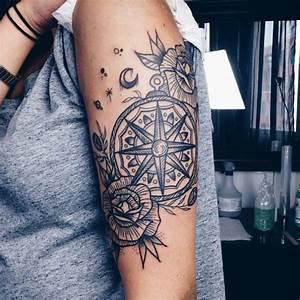 Tatouage Trait Bras : tatouage boussole noir et blanc tattoos pinterest photos and bras ~ Melissatoandfro.com Idées de Décoration