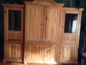 broyhill fontana series 3pc pine wall unit entertainment