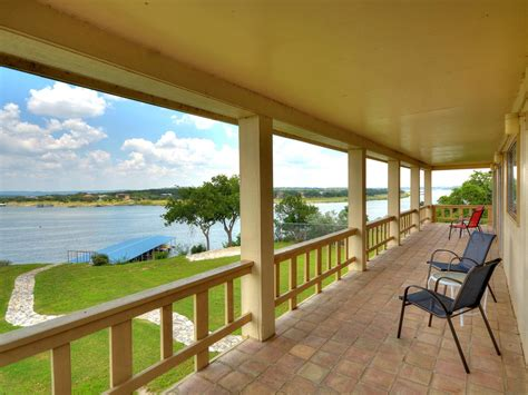 lake travis cabins lake travis vacation rental properties