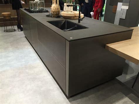 Goedkope Lange Keukens by Snaidero Concept Store Stijlvolle Designkeukens
