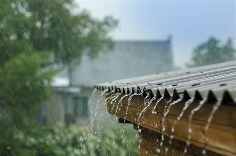 heavy rain     damage  roof