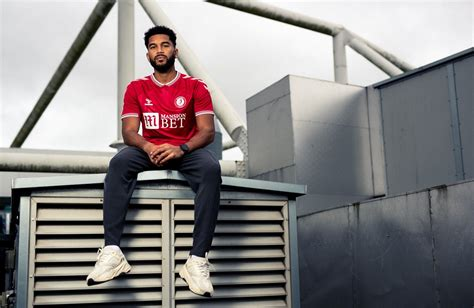Robins on roof of Football League content | Bristol City
