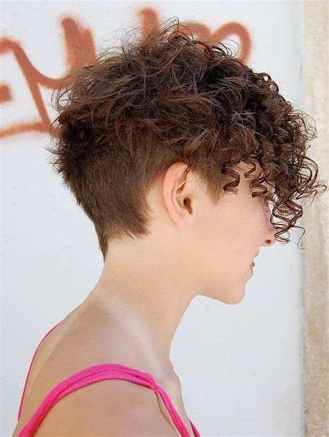 Trendy Curly Hairstyles by 25 Curly Hairstyles For Best Curly Hair Cuts
