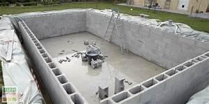 Comment construire une piscine creusée maçonnée ? Jardipartage