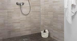 lambris bois salle de bain 12 panneau habillage mur With habillage mural salle de bain