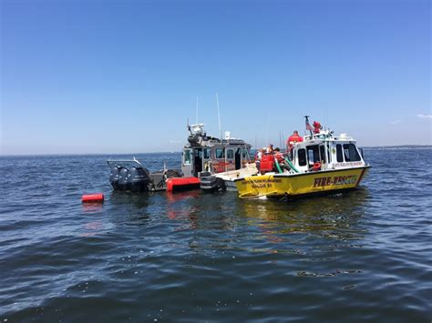 Tow Boat Us Atlantic Highlands by Dvids Images Coast Guard Rescues Three Atlantic