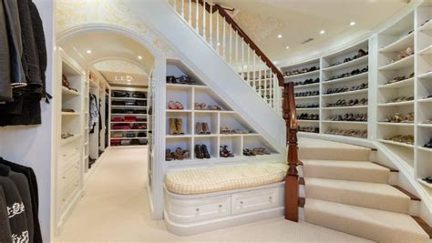 fascinating closets     fashion design weeks