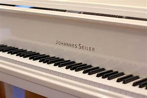 Seiler 5'3″ GS-160N Johannes White | PianoWorks