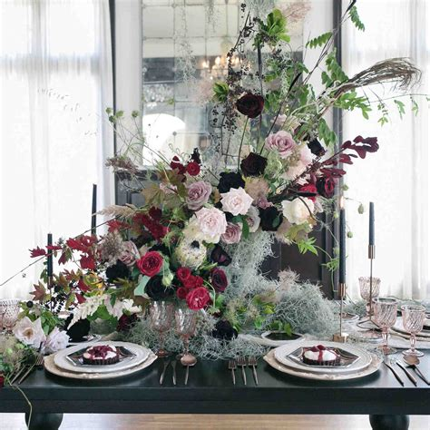 host  halloween dinner party   hauntingly beautiful