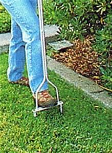 Rasen Lüften Geräte Zur Rasenbelüftung : rasen bel ften oder auch aerifizieren des rasens ~ Lizthompson.info Haus und Dekorationen