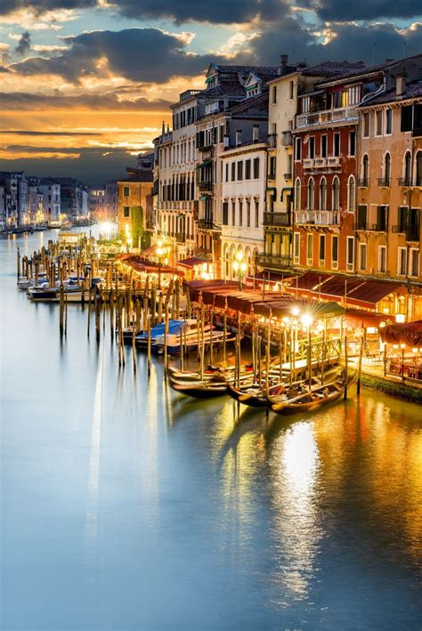 grand canapé grand canal at venezia italy by beatrice preve
