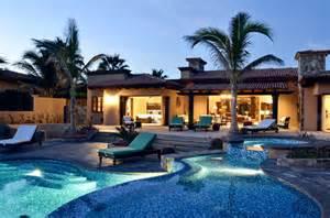 style homes with courtyards por qué invertir en bienes raíces en los cabos mexlend