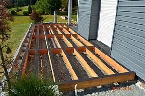 Terrasse Bois Sur Plot Beton : installation d un terrasse en lames de bois sur plots plot ~ Melissatoandfro.com Idées de Décoration