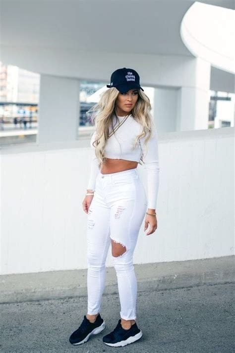 All white    Ripped jeans    Crop top    Black cap www.swipenshop.nl   Swipe u0026 Shop   # ...