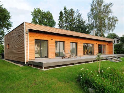 Holzhaus Bungalow Modern by Fertighaus Baufritz Bungalow Modern