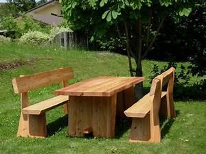 Tables maison bois rond for Amenagement du jardin photo 3 batiments annexes maison bois rond