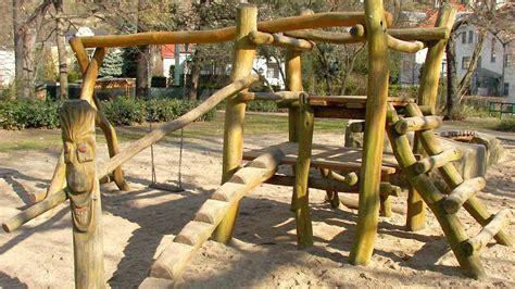 Spielgeraete Fuer Den Heimischen Garten by Spielger 228 Te F 252 R Kindergarten Und Daheim Sinnvolle
