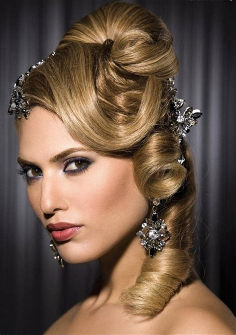 20 Unique Prom Hairstyles Ideas With Pictures   MagMent