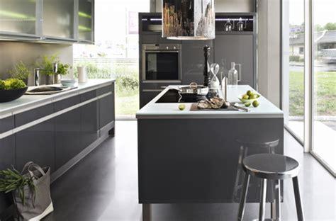 mod鑞e de cuisine ouverte cuisine sur mesure les solutions pratiques pour