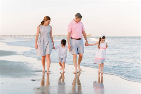 8 Most Beautiful Outfit Ideas for Family Beach Pictures u2013 by Top Myrtle Beach Family Photographers