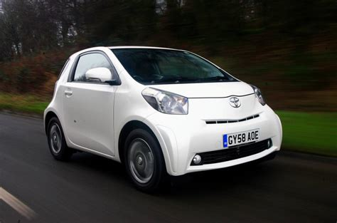 toyota iq   review autocar