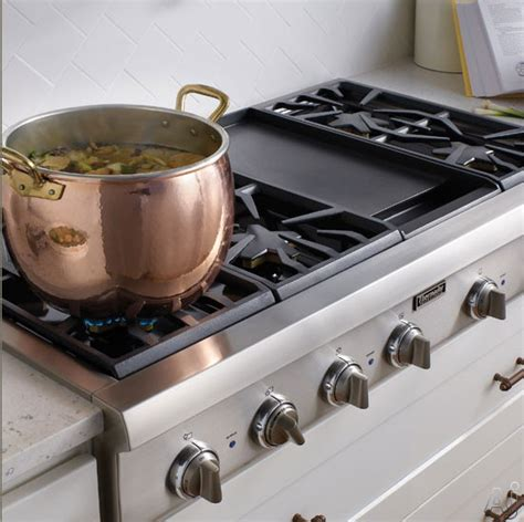 thermador pcgx  pro style gas rangetop   pedestal star burners griddle  grill