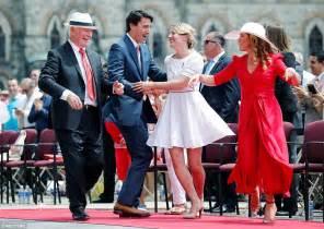 justin trudeau celebrates  canada day   dance